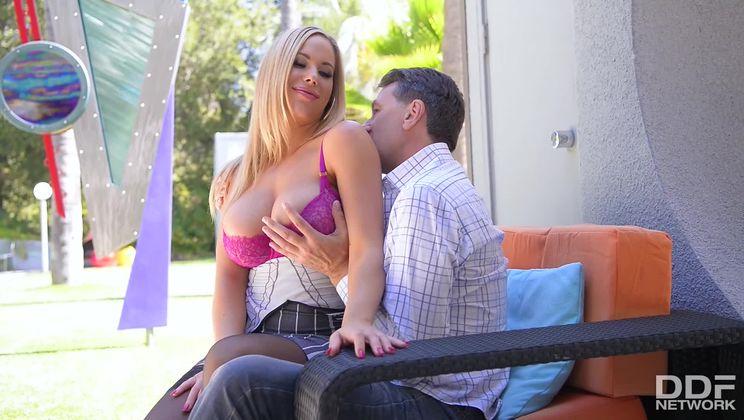Hot Summer Days: Curvy Milf Gets Titties Fucked By Mature Man