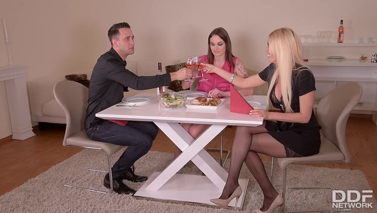 The Seductress - Best Friends Anal Threesome